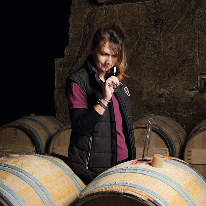 Pauline Vauthier dans les caves du Château Ausone