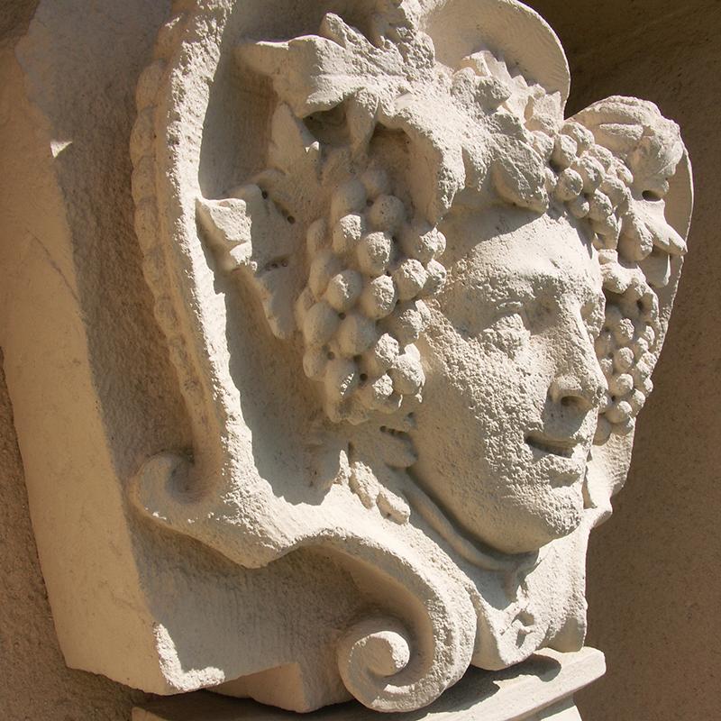 Tête de Bacchus, l'emblème de la Maison Louis Jadot